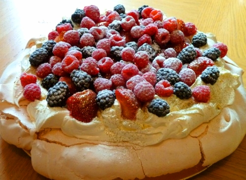 PERFECT PAVLOVA | A Spoonful Of Sugar