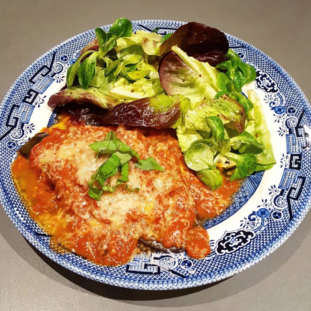 Looks a bit sloppy but this aubergine parmigiana tasted fabhellip