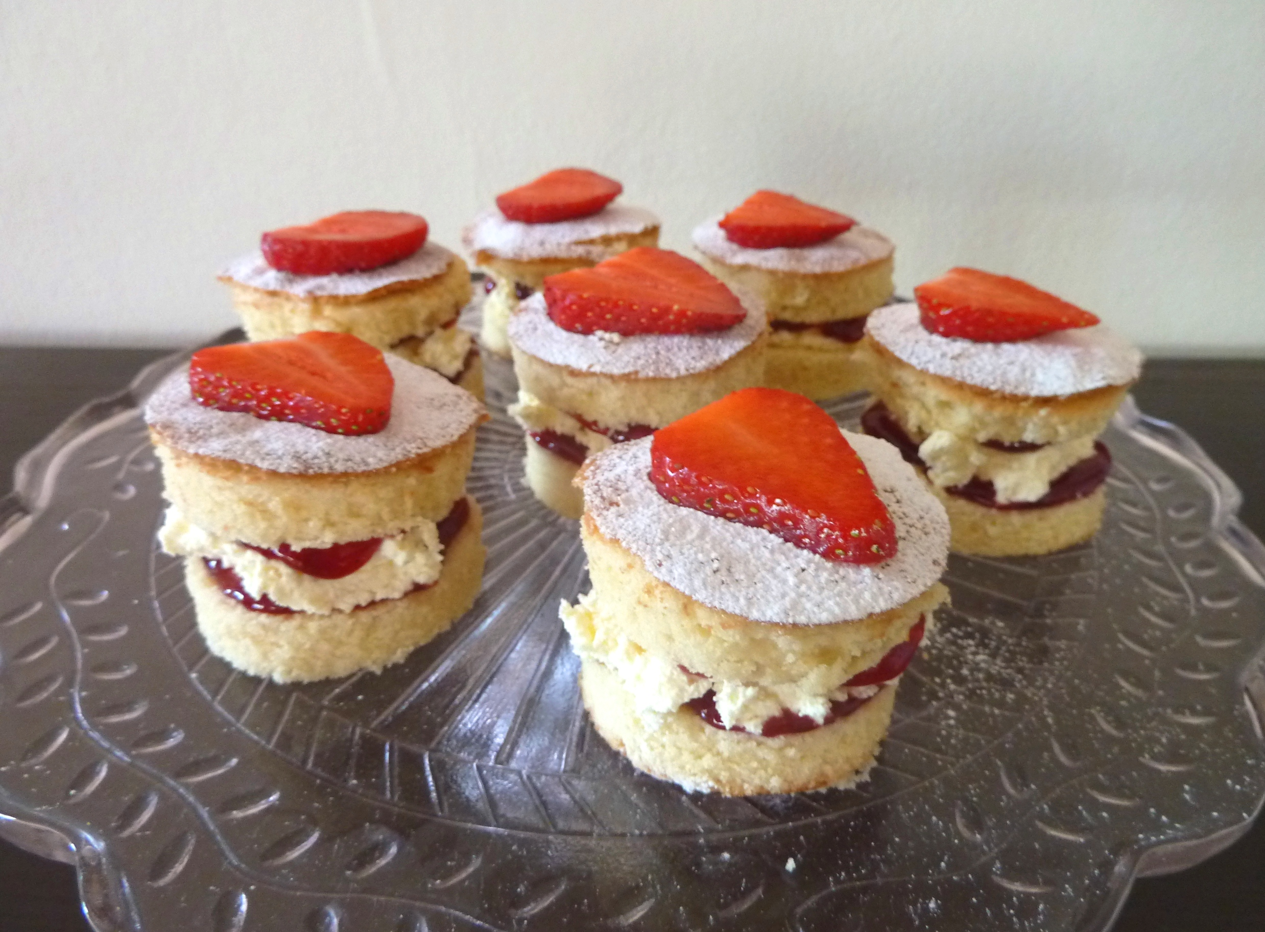 mini victoria sponge cakes a spoonful of sugar