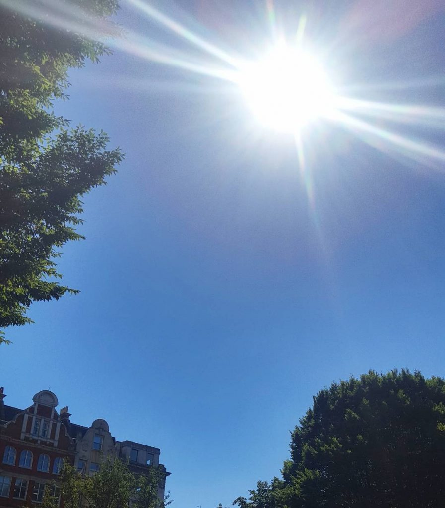 Its hot and sunny in London Town!